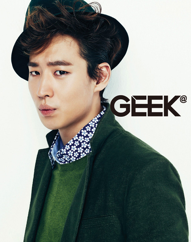 kmagazinelovers:  Lee Je Hoon - Geek Magazine