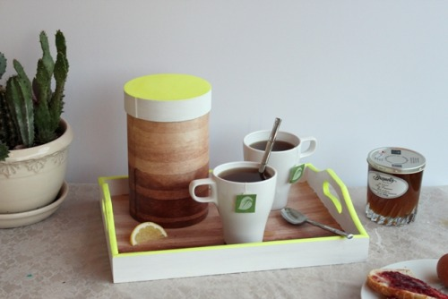 prettylittlepieces:  Neon Ombré Coffee/Tea Set