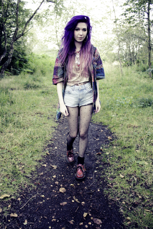kaylahadlington:  walks at the park  she is beautiful!