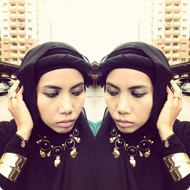 Turned a regular Kaffah scarf into a turban scarf ala AzuraAzwa #wiwt #ootd #turbanation #chichijab #islamicfashionistas #hijab #hijabhigh #amischaheera  (Taken with Instagram)