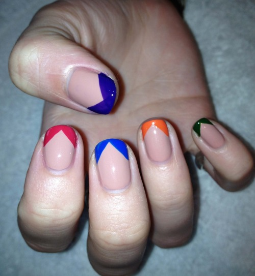 Multicoloured pointed tips
