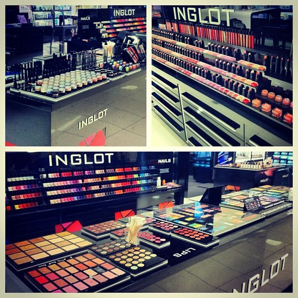 Inglot event today! 😁#inglot #inglottemecula #inglotcosmetics #makeup #makeupjunkies #love  (Taken with Instagram)