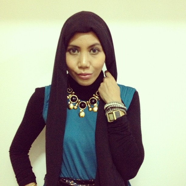 Step by step tutorial on how to wear the turban scarf, tomorrow 💙 #turbanscarfbyami #hijabtutorialbyami #hijabtutorial #turban #kaffah #nonizakiah  (Taken with Instagram at Ami's Crib)