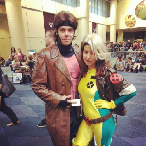Gambit and Rogue hanging out before the #MarvelNOW panel. #FanExpoCan #cosplay (Taken with Instagram)
