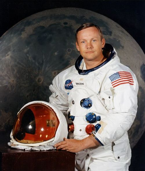 -ryan:  bryanthephotogeek:  laughingsquid:  Neil Armstrong (1930-2012), The First Person To Walk on the Moon   Sad :( :(