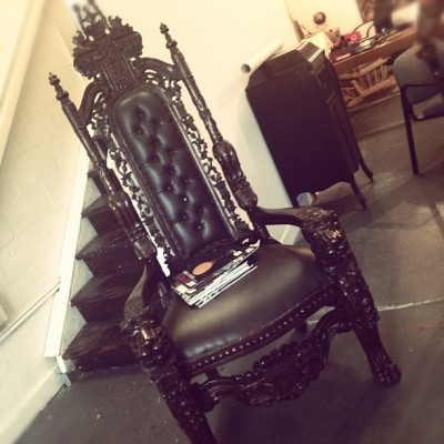My type of chair #victorian #glam #goth (Taken with Instagram at J. Abuela Art)