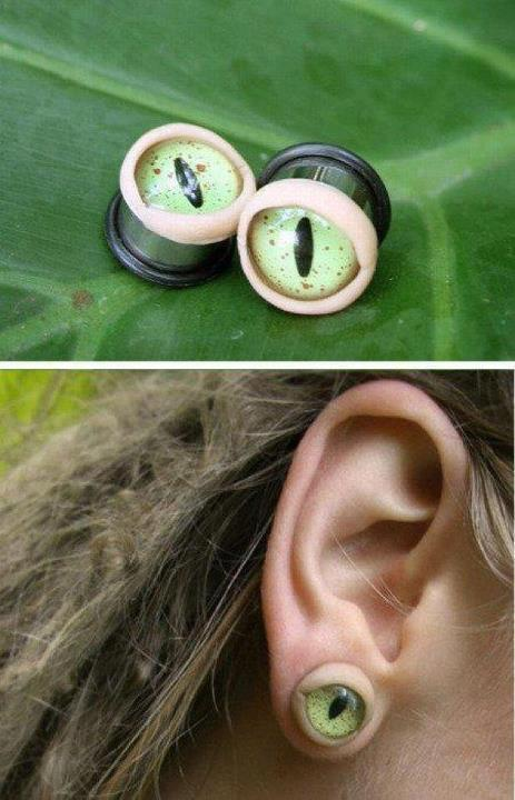 ventureneverlost:  I need these plugs. Like yesterday.