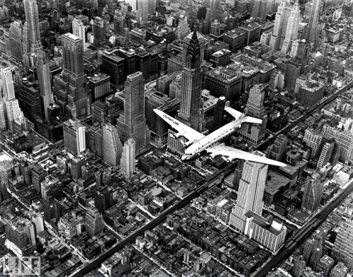 denisebefore:  D4 Airplane over Manhattan bourke-white 1939