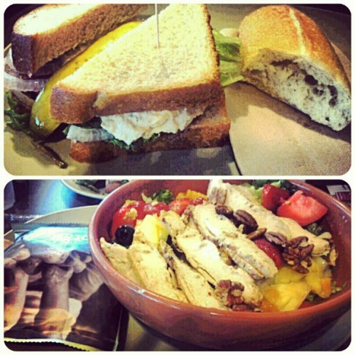 lunch at panera before work with the brother !#lunch #panera #chickenpoppyseedsalad #tunasandwhich #delicious #yummy #refreshing #summertime (Taken with Instagram)