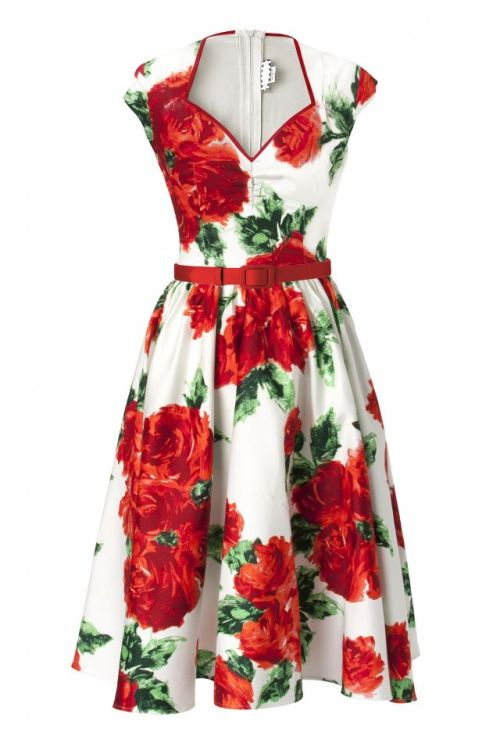 Oh when, oh when will this dress arrive? :( It's on the slowest slow boat from Canada, apparently.