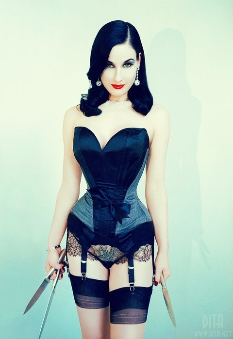 roseisadreamer:  In my opinion, Dita von Teese is sexy as hell. I wish I was like her in every way.