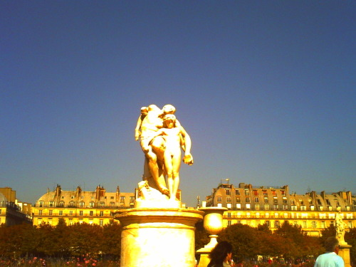 Jardins des Tuileries, Paris Photo by runawaybelle