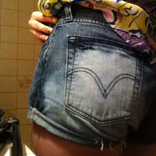 Mah bum w/ my did mahself shorts and Hawaiian shirt ;)