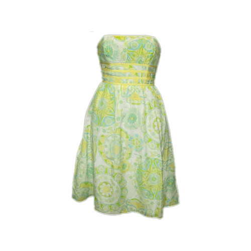 This was one of the first Lilly dresses that I ever purchased.  It must have been around 2006.  Of all the dresses I have owned, it was easily one of my top 10 all time favorites.  Sadly, after much love, we had to part ways.  It was a casualty of my pregnancy.  My expanding belly stretched the organza too much, and the fabric near the zipper finally gave somewhere around the 6th month. Over the past year, I stalked eBay in hopes of reuniting with my long lost love.  Realistically, I knew the chances of finding a dress that hasn't been in stores for at least 6 years were pretty slim, let alone one in my size.  Still, I kept hoping that one day it would show up.  I finally found it yesterday, brand new with tags, for a fraction of the original price.  It's a size bigger than I wear, but I can easily have it taken in.  I'm so happy!!!