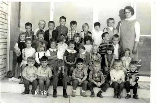 Newsie found this in a stack of photos from the 50's-60's. Look at the poor kid in the front row. He is just sobbing. (Kindergarten class of 1969)