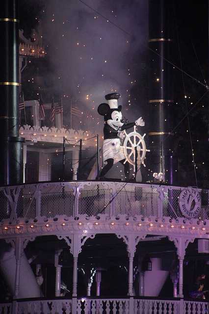 disneyaddictgirl:  Just downloaded the entire Fantasmic soundtrack.