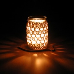Crocheted Candle Jar What a simple crafty idea even for the beginner crocheter. Love. (via Crochet Jar - CraftGawker)