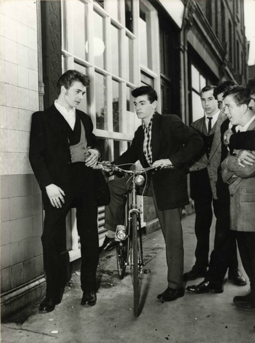 theniftyfifties:  Teddy Boys in London, 1955.