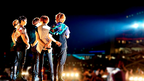 lemoncandiesss:  One of my favorite pictures of SHINee.