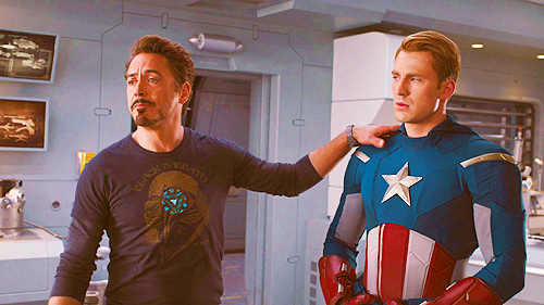 tokidokifish:  inscarletsilence:  good christ steve your face  #their entire relationship in a single frame