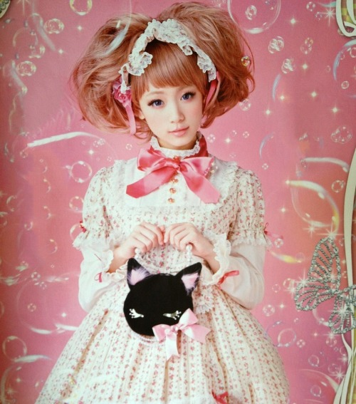 lolita-ringo:  - Angelic Pretty *By. Gothic&Lolita Bible