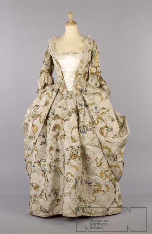 Robe a la francaise, 1755-58 From the Ulster Folk & Transport Museum