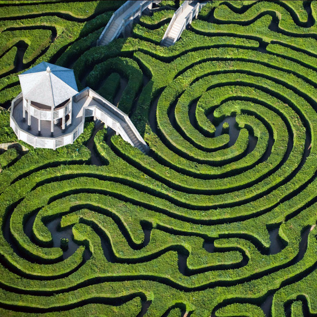 thekhooll:  Longleat Hedge Maze - Wiltshire, England The maze is part of the 8000 acres that have been the home of the Marquesses of Bath since 1541. 900 of those acres were landscaped by the famous landscape designer Capability Brown, who also had a hand in the grounds of Alnwick Castle.