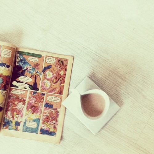 Coffee and comic books (Tomada con Instagram)
