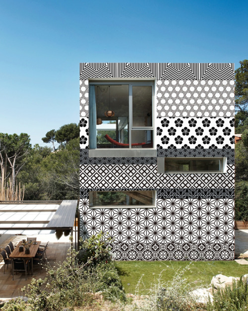 Outdoor Wallpaper (by Wall and Deco)