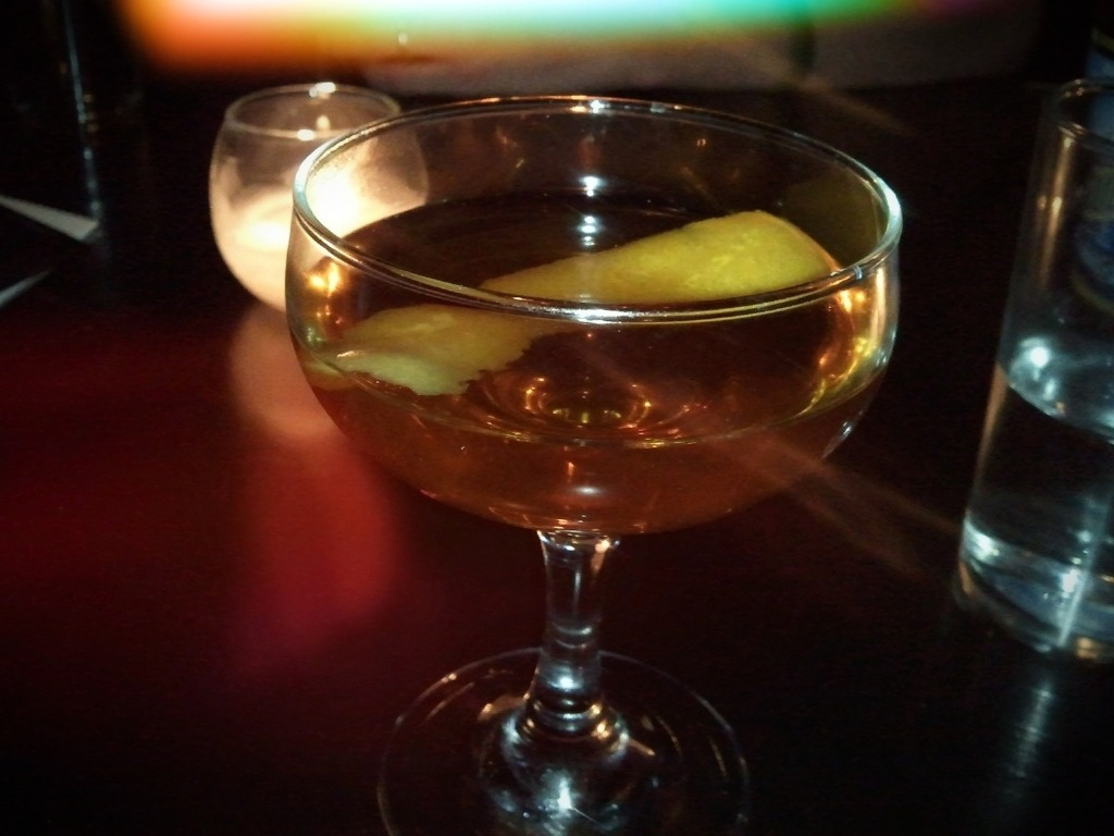 #bedford #chicago #nightlife this is a drink called The Monty Burns. Whiskey, Benedictine, Sweet Bitters, lemon rind, and something else. Excelllent. (via fhotoroom)