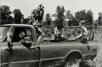 "dirtygirlsdirtylives:  Sonic Youth. ""Death Valley '69"" video shoot."
