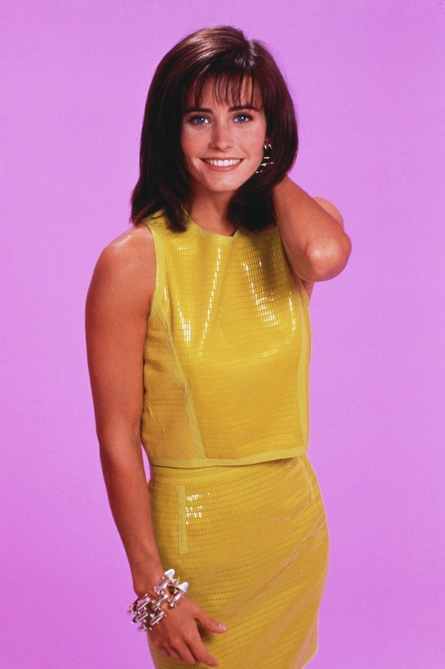 fuckyeahugly90sclothes:  Courteney Cox