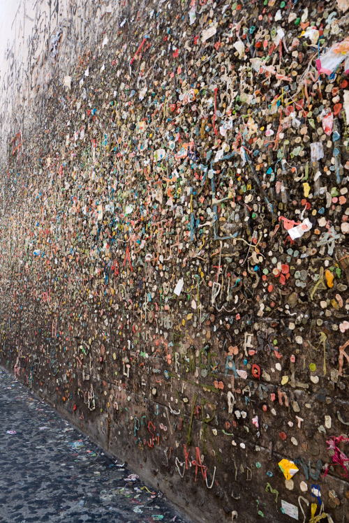 terrysdiary:  Bubblegum Alley in San Luis Obisbo.
