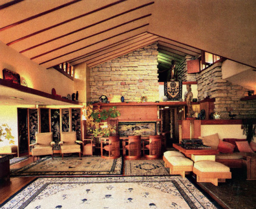 "designsbyfranklloydwright:  Interior of Frank Lloyd Wright's home, ""Taliesin,"" in Spring Green, Wisconsin"