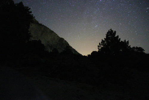 ajinmd:  Chalk Cliff Ridge during Perseid Meteor Shower on Flickr. Chalk Cliff Ridge during Perseid Meteor Shower Deer Valley Ranch, Nathrop, Colorado