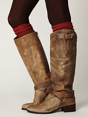 cinnamonautumn:  boots like these are on my list this year!