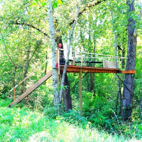 paulspresents:  New digs for the weekend. With zip line escape, of course. // #treehouse #sleepingunderthestars #innerchildswetdream #zipline #cda #Idaho (Taken with Instagram)