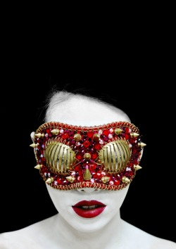 Provocative sculptural design mask by Joji Kojima