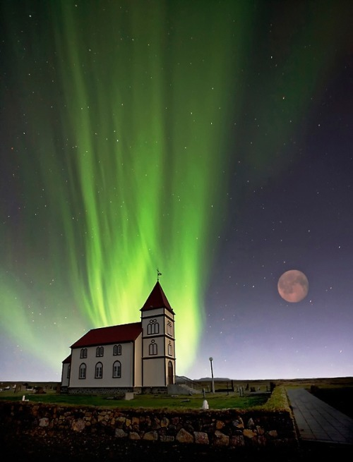lalulutres:  holy lights in iceland