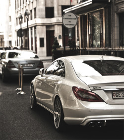 visualcocaine:  CLS63.