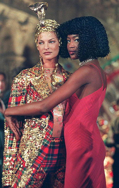Linda Evangelista and Naomi Campbell at John Galliano A/W 1997