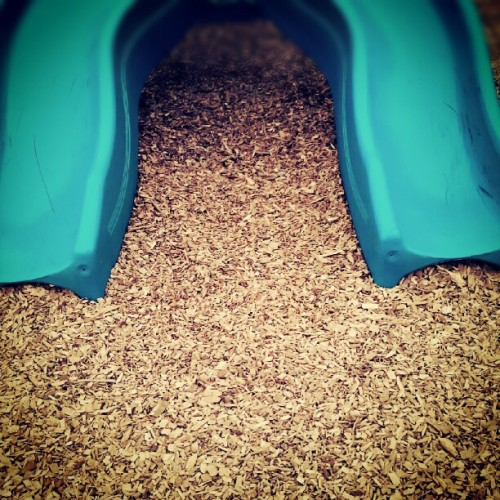 slide. #park #play #kids #fun #minimal #minimalistic #minimalanimal #minimalism  (Taken with Instagram)