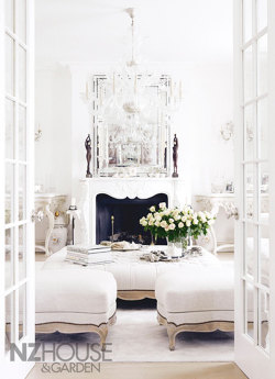 (via {this is glamorous} : adventures in love, design, fashion, home decor, food and travel: {décor inspiration : late-summer whites, london})