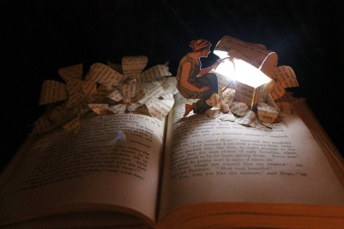 teachingliteracy:  Pandora's Box Book Sculpture by ~wetcanvas