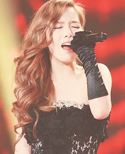 fanyhoney:  4 Favorite Pictures of Taeyeon - requested by anonymous