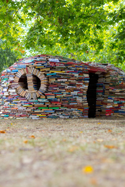 teachingliteracy:   Book house (by Who wants a cookie?)