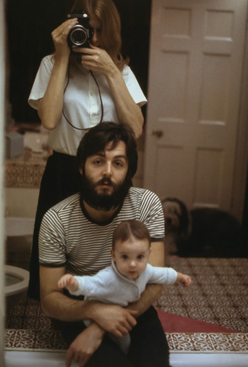 Paul, Linda, and Mary, London, 1969 © Linda McCartney  lovely <3