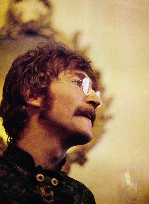 John Lennon, London, 1968 © Linda McCartney