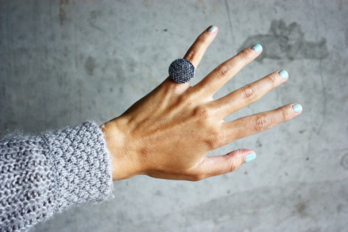 (via DIY Fabric Button Ring - Morning Creativity)