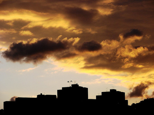 atardecer citadino by ruurmo on Flickr.#Caracas | #Photography